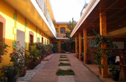 Lobby Courtyard & Private Parking